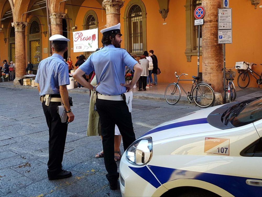 vigili urbani bologna