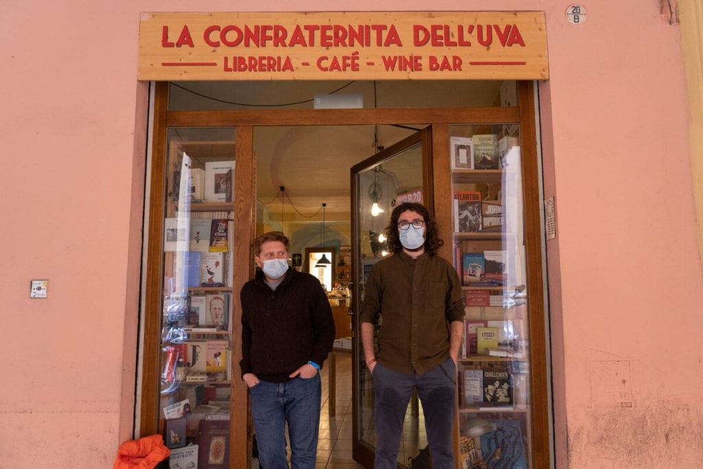 confraternita dell'uva libreria vineria bologna