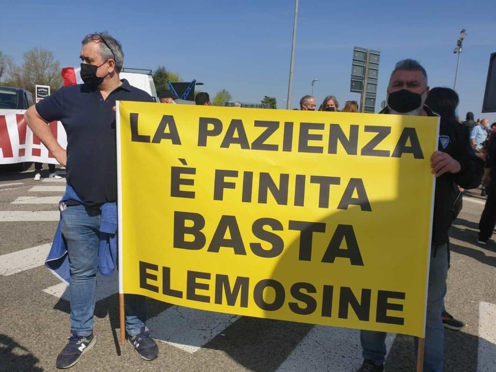 Protesta manifestazioni ristoratori autostrada A1