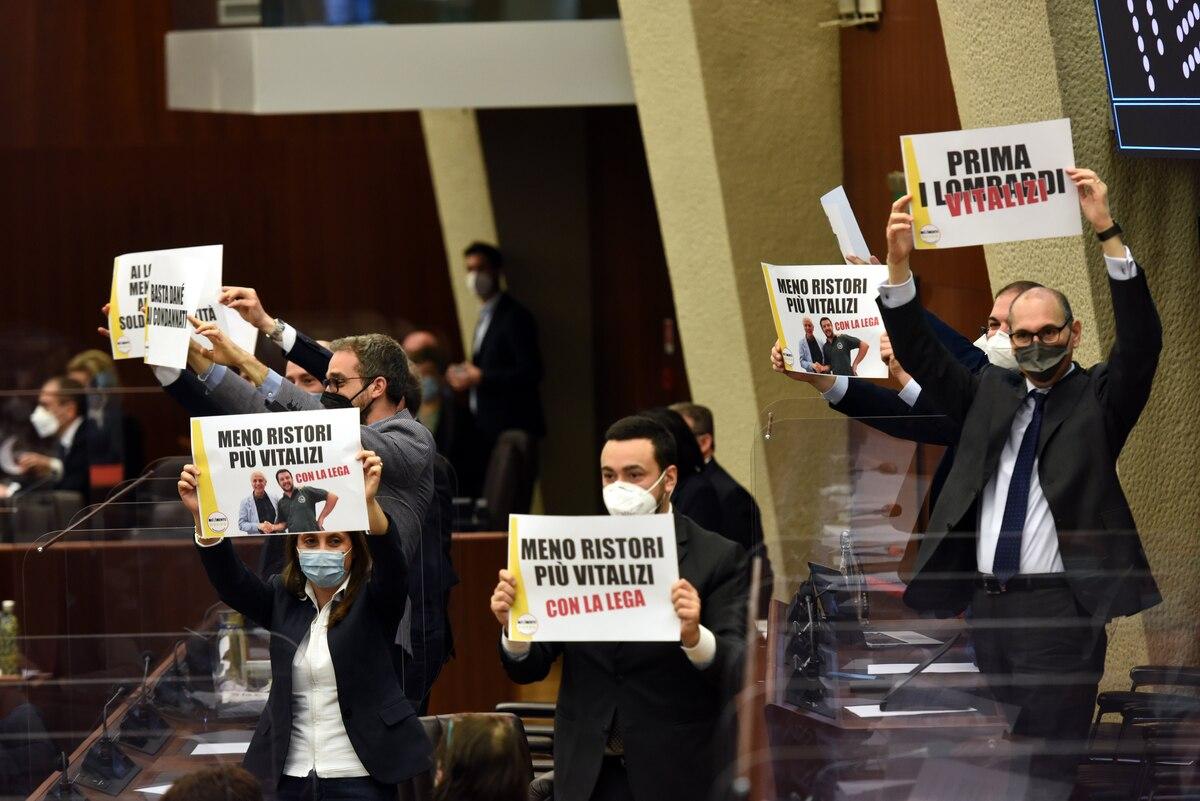 protesta vitalizi m5s lombardia imagoeconomica