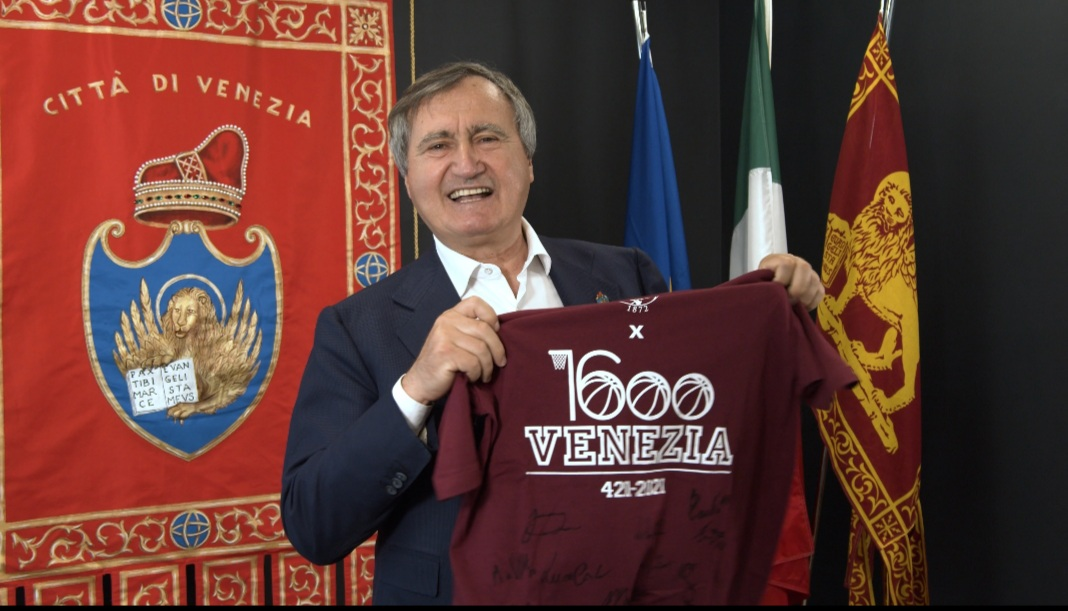 Luigi Brugnaro maglia speciale reyer basket