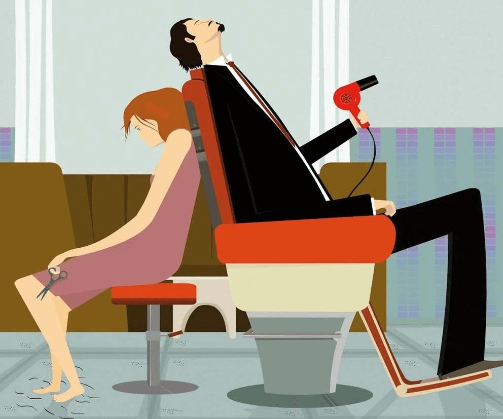"""Un adolescente schiacciato dalla vita in paese, tra tossicodipendenza e i giorni al bar della stazione, insieme agli altri tossicodipendenti. L'adolescente che diventa adulto: stesso paese, un lavoro insignificante: """"Ne uscii vivo dal bar della stazione, come la maggior parte di noi, ma nessuno ne uscì felice"""". E alla droga si sostituisce la dipendenza dal sesso, quello cercato nei siti di appuntamenti. Così il protagonista, Ale67 (è il nickname che usa sul sito) conosce Delphi70, una donna che sembra avere una vita molto più banale, ma che in realtà scivola giorno dopo giorno nello sgretolamento della realtà in cui pensava di vivere. Una storia decisamente estrema, ma al tempo stesso struggente, quella di """"Finta Pelle"""" (Marsilio Editori), ultima opera di Saverio Fattori, un finto memoir che nel finale saprà sorprendere il lettore. . Ma cos'è la dipendenza per Fattori? """"C'è una canzone dei Baustelle, gruppo che adoro, 'Betty', che così recita: 'Che cos'è la vita senza Una dose di qualcosa Una dipendenza', che potrebbe essere ben funzionale per una risposta"""". Insomma, """"desideri forti per persone che giocano con la proprio fragilità, la dolcezza dell'arrendersi; in realtà ci si abbandona alle dipendenze quando fondamentalmente non ci piacciamo, quando la retorica del 'Che bello cercare e ritrovare se stessi' non ci convince affatto"""". Le dipendenze, prosegue Fattori, """"servono a distrarci da una realtà che non ci piace, da uno stato delle cose che non ci soddisfa, per colpa nostra o per colpe che attribuiamo più a un contesto, a un sistema. Sta di fatto che per me il termine 'dipendenza' è direttamente correlato al termine 'ossessione', magari sbaglio, ma per me questo è. E le ossessioni in letteratura aiutano, aiutano a trovare nella narrazione una voce interna interessante, che non scada nella correttezza e in un generico buon senso, a uscire da punti di vista banali"""". """"Finta pelle"""" arriva in un momento in cui si è tornati a parlare di tossicodipendenza, dopo la serie"""
