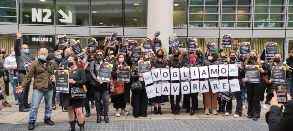 protesta lavoratori matrimoni regione lombardia
