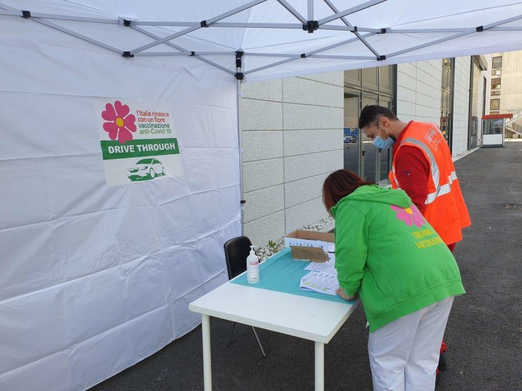 drive through vaccini fiera bologna