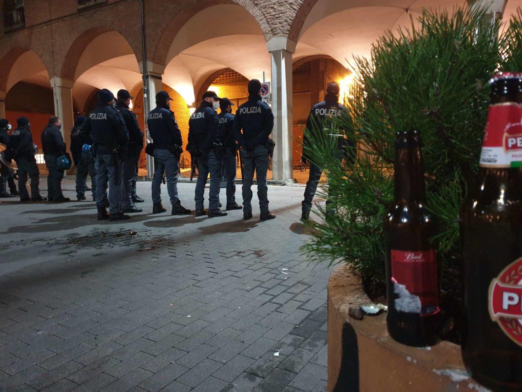 polizia piazza verdi birre bologna controlli