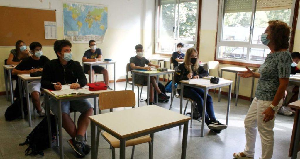 scuola_aula_banchi-2-scaled-1-e1611162464689