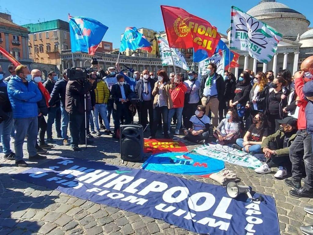 whirlpool_napoli_piazza plebiscito