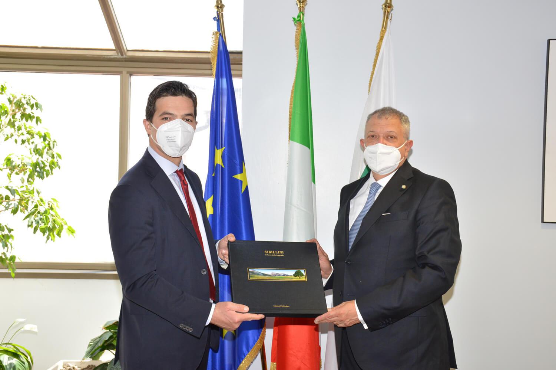 Francesco Acquaroli e il prefetto di Ancona Darco Pellos