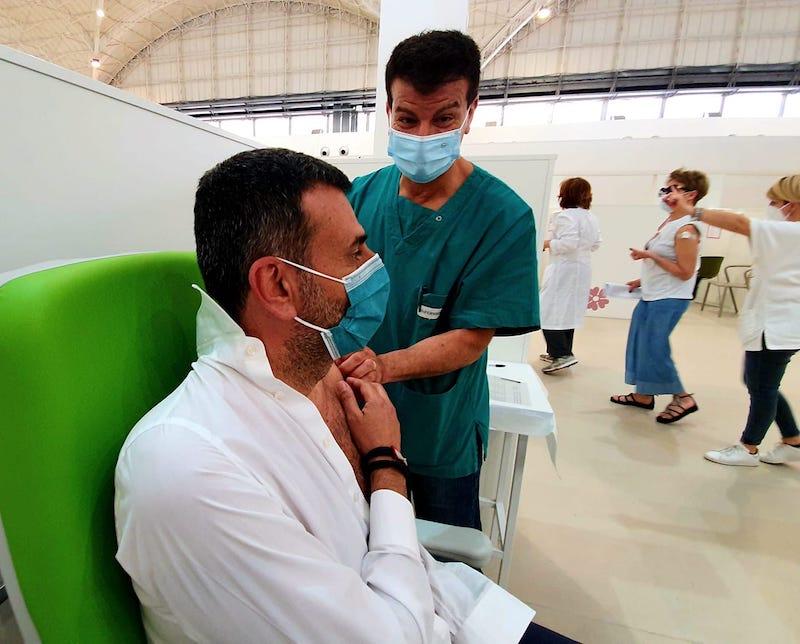 antonio de caro vaccino_foto profilo facebook