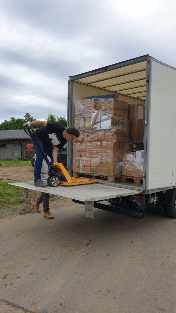 rotta balcanica aiuti migranti bosnia