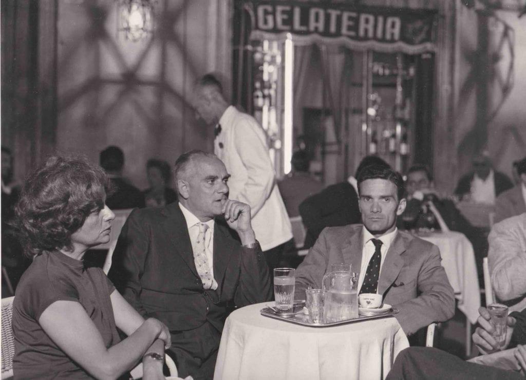 Agenzia-Dufoto-Pasolini-Alberto-Moravia-ed-Elsa-Morante-a-Roma-nel-1962_Courtesy-Collezione1-Giuseppe-Garrera
