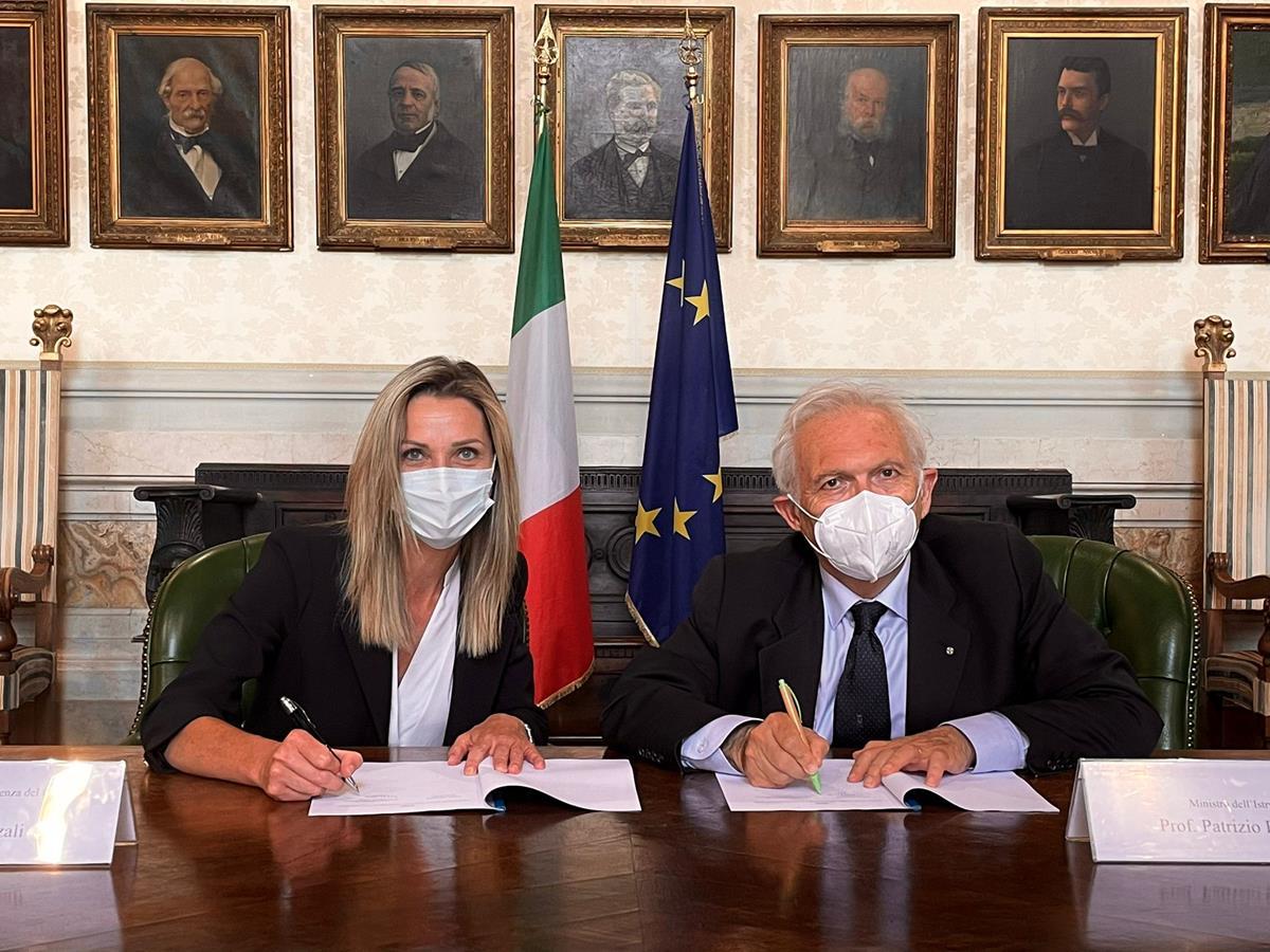 Bianchi Vezzali firma protocollo intesa