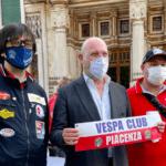 """Olimpiadi, da Milano a Tokyo in vespa: """"Messaggio di ripartenza"""""""
