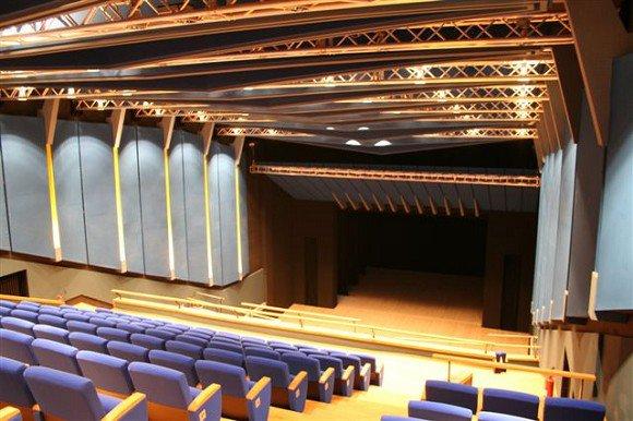 Teatro Giacosa Aosta foto da facebook