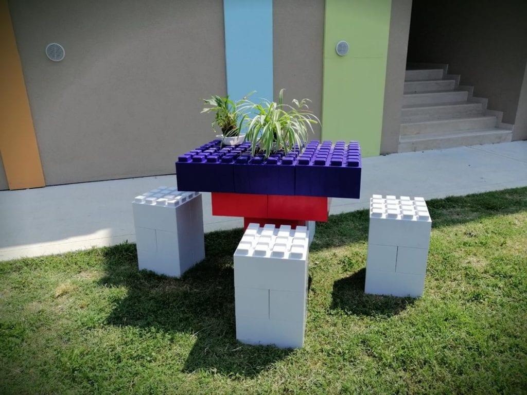 aula-realizzata-con-costruzioni-Lego-1