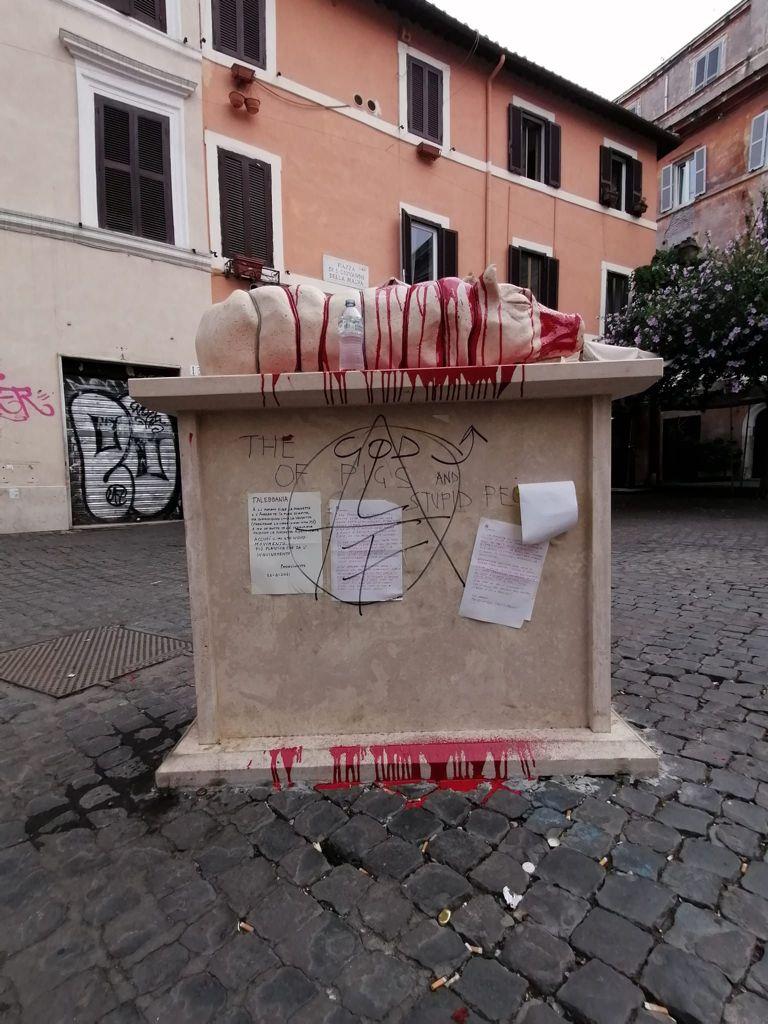statua porchetta roma