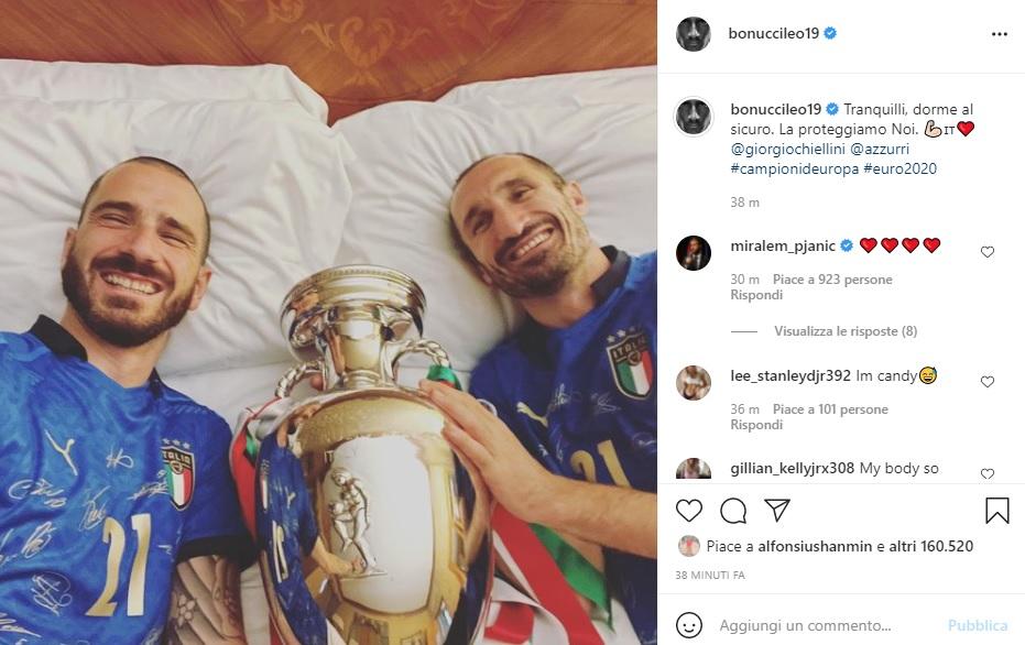 Bonucci e Chiellini coppa @ foto da Instagram