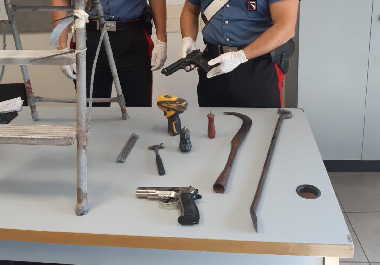 armi sequestrate reggio emilia carrozzaio