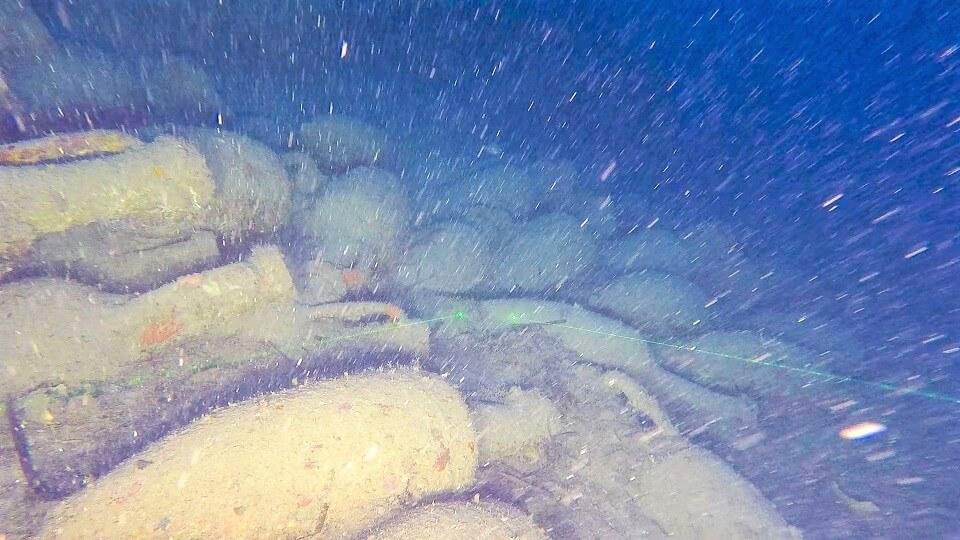 nave romana isola femmine