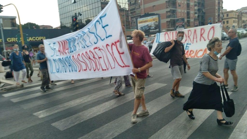 protesta quadraro rifiuti