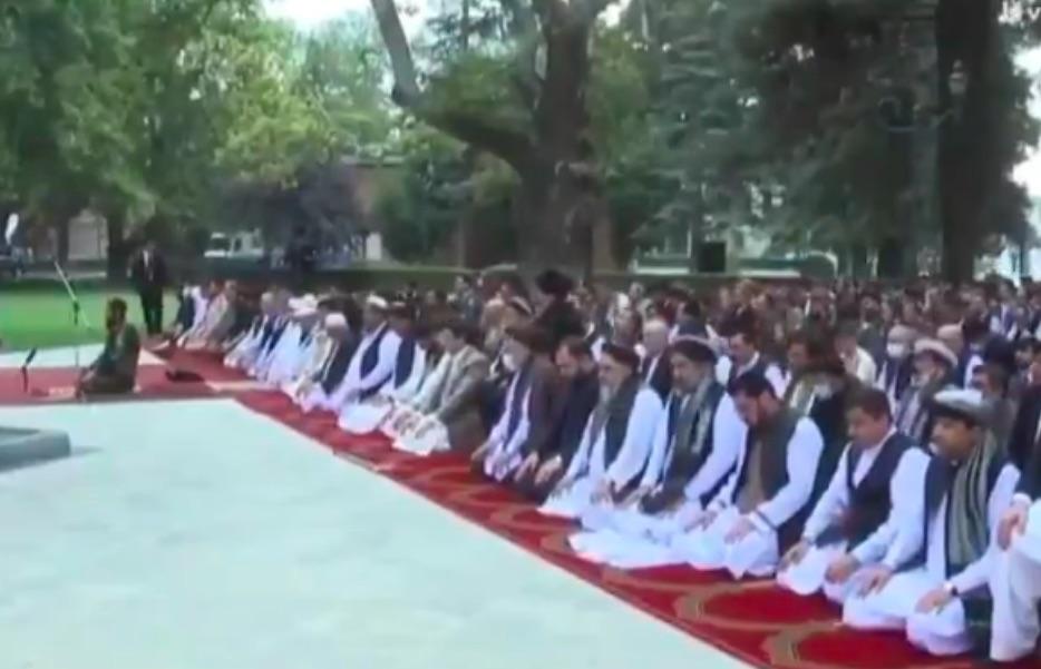 razzi_afghanistan_preghiera