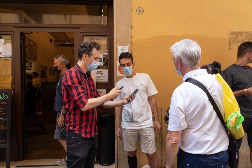 primo giorno green pass a Bologna