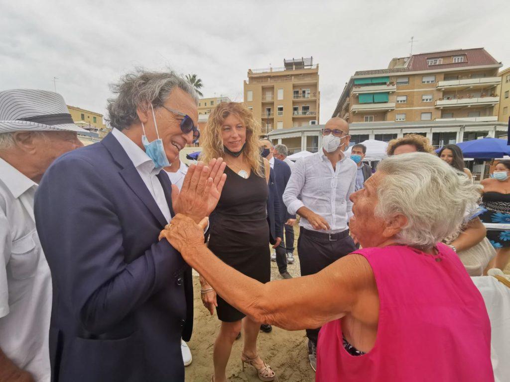Il ministro per le Disabilità Erika Stefani in visita alla Riviera Mallozzi di Anzio