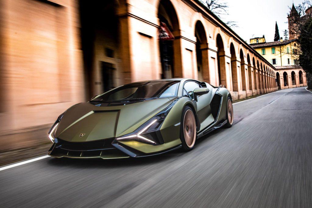 Lamborghini Siàn Bologna portici