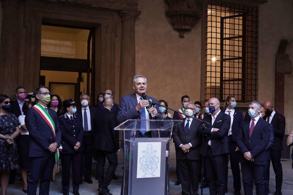 Nettuno d'oro ai famigliari vittime strage 2 agosto bologna