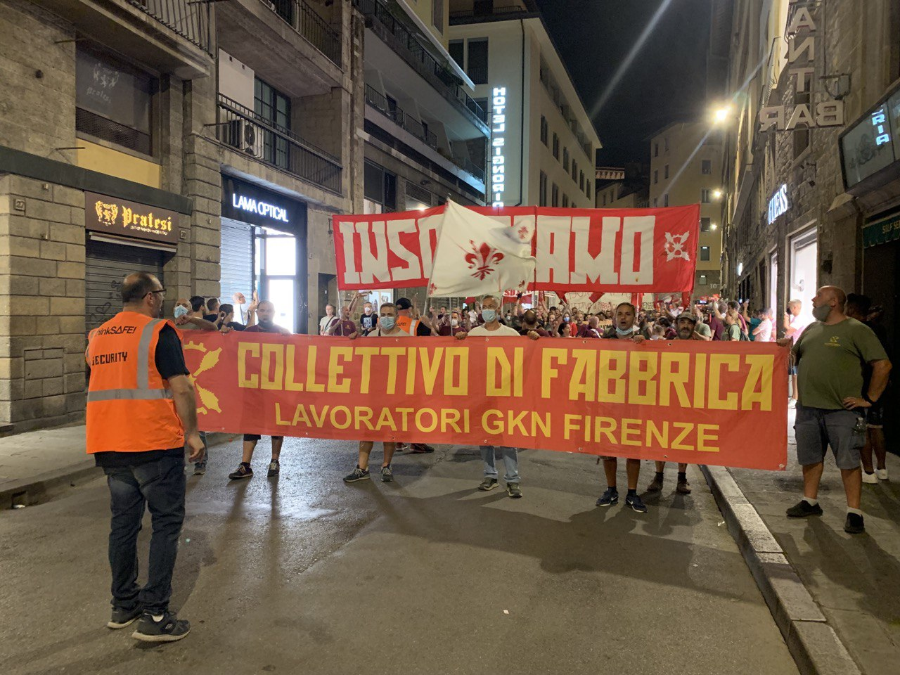 manifestazione lavoratori gkn firenze