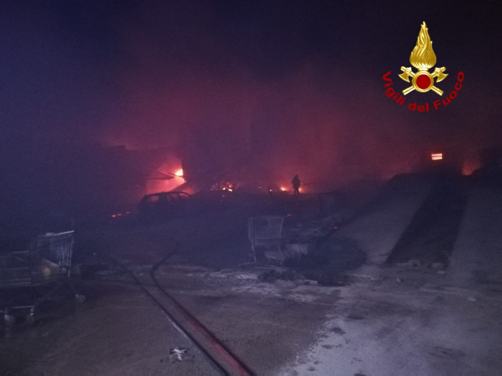 trapani incendio migranti