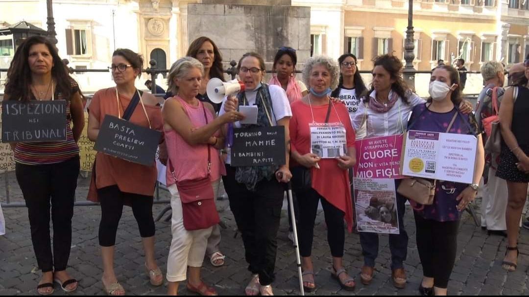 manifestazione montecitorio roma pas