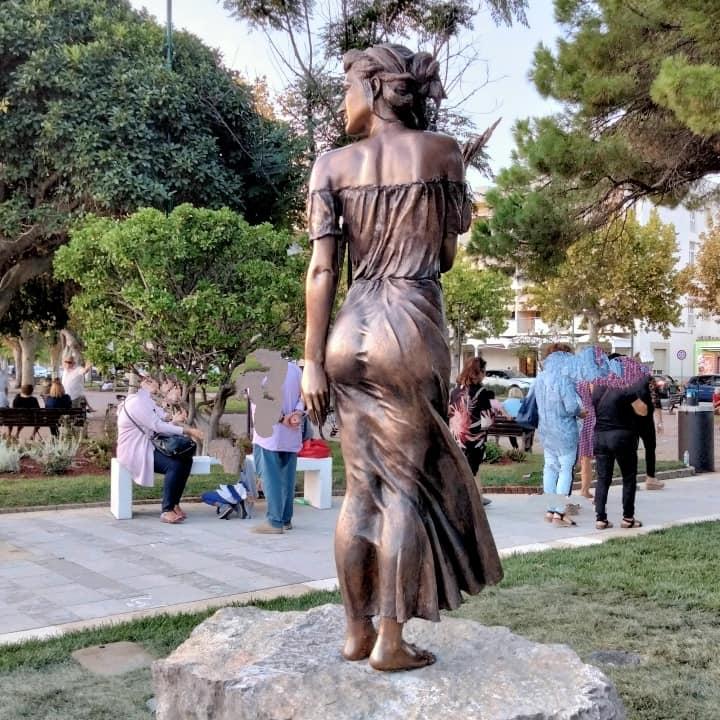 statua spigolatrice