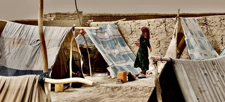 tendopoli rifugiati afghani afghanistan minori bambin