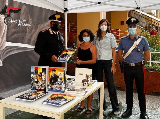 zen 2 carabinieri donano libri