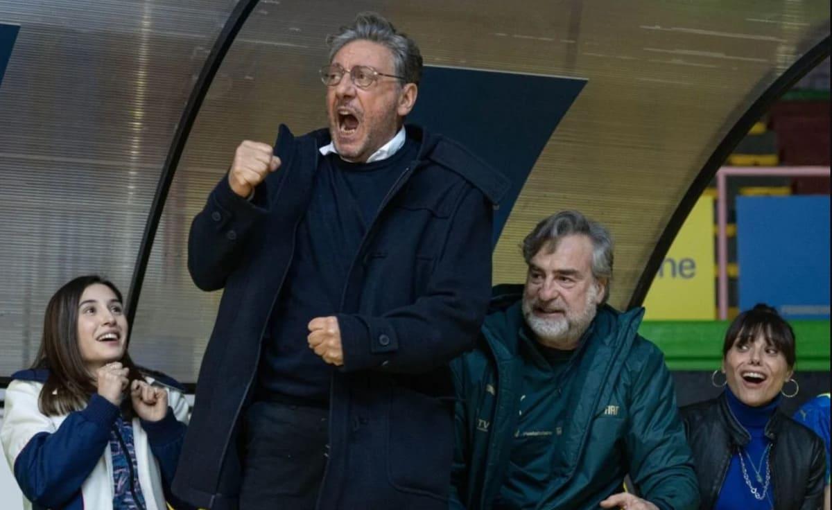 crazy for football_castellitto-min
