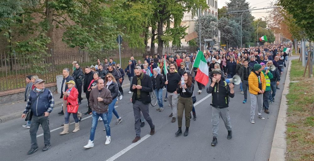 manifestazione no green pass bologna
