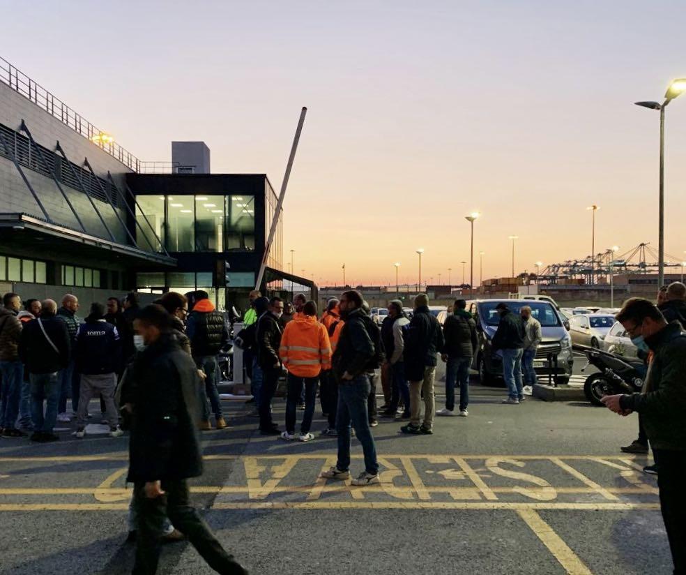 proteste porto genova