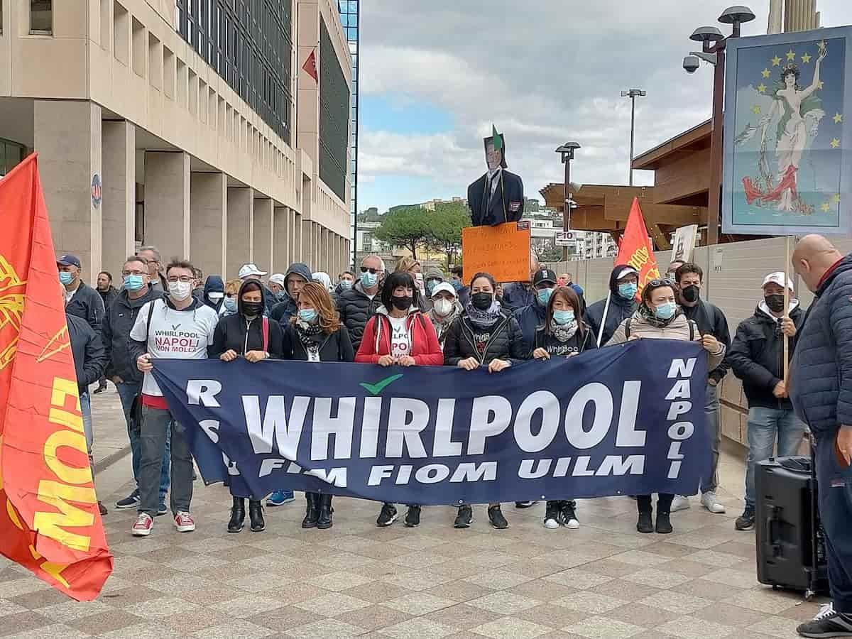 whirlpool napoli 3-min