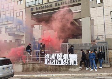 protesta scuola basilicata