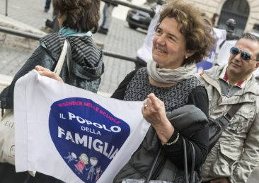 MANIFESTAZIONE DAVANTI MONTECITORIO DEL POPOLO DELLA FAMIGLIA