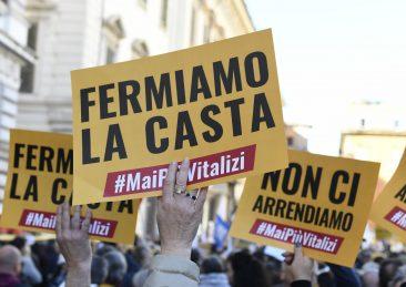MANIFESTAZIONE M5S CONTRO VITALIZI