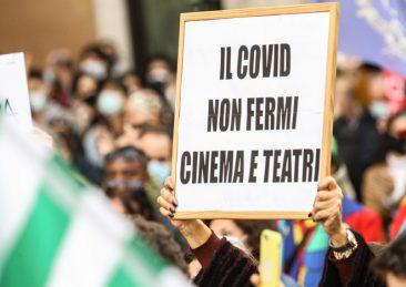 L'ASSENZA SPETTACOLARE, I LAVORATORI DELLA CULTURA E DELLO SPETTACOLO IN PIAZZA A ROMA