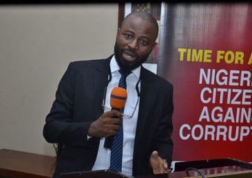 Olúwádàre Kóláwolé, vicedirettore dell'organizzazione nigeriana Socio-Economic Rights and Accountability Project (Serap)