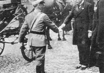 Vittorio_Emanuele_III_incontra_Mussolini