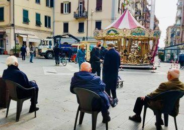 anziani piazza la spezia