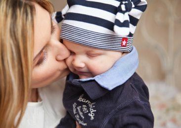 mamma bambino neonato