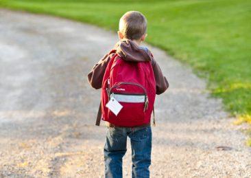 bambini_scuola_cartella_