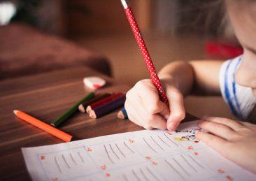 bambini_scuola_disegno
