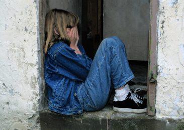 bambini_soli_solitudine_tristezza